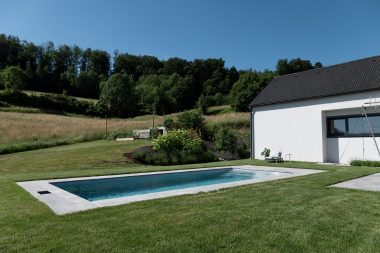 Pool Thelo in der Poolfarbe platino