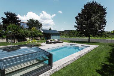 Pool Riva 700.tsc mit einer Poolhalle von Paradiso
